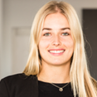 Caroline Ganzert, Volontärin bei Communication Consultants